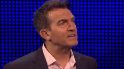 The Chase's Shaun Wallace gets hilariously told off by Bradley Walsh after player's mistake
