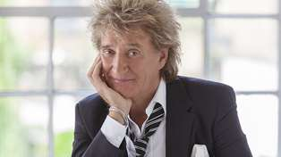 Rod Stewart sends incredible gift to student nurse who nearly died after catching coronavirus