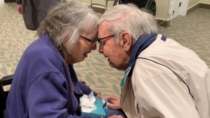 WATCH: The emotional moment an elderly couple are reunited after lockdown