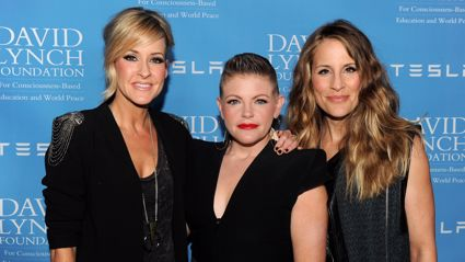 The Dixie Chicks give shout out to Kiwi band for letting them change their name to The Chicks