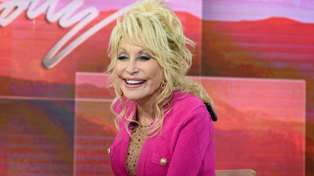 A Dolly Parton-inspired rooftop bar has just opened - and it looks awesome!