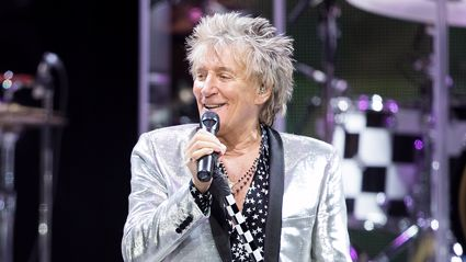 Rod Stewart reveals a bottle of wine is the secret to his songwriting success