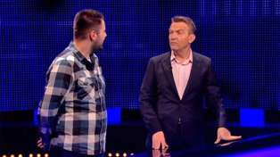 The Chase's Bradley Walsh and Paul Sinha hilariously roast doctor for getting medical question wrong