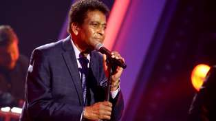 Country music star Charley Pride passes away from Covid-19