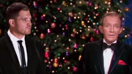 Michael Bublé performs spectacular 'White Christmas' duet with Bing Crosby