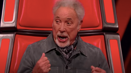 Tom Jones stuns with impromptu performance of 'Dirty Dancing' classic on The Voice UK