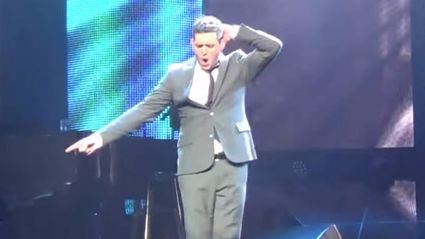 Michael Bublé performs impressive impersonation of Michael Jackson while singing 'Billie Jean'