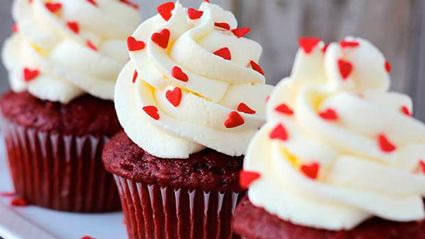These delicious red velvet cupcakes are perfect for Valentine's Day