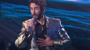 Josh Groban performs heavenly rendition of Robbie Williams' 'Angels' on American Idol